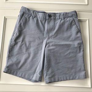 654b12aabcb48 Men s IZOD grey golf shorts size 32